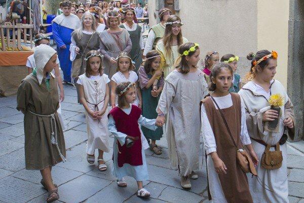 Дети - одни из главных участников каждого праздника в Италии