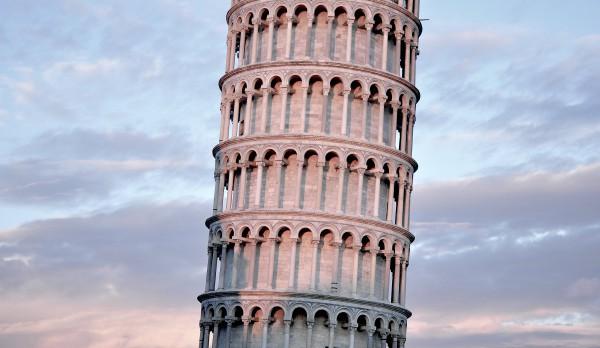 Пиза. Падающая башня. Фото - unspash