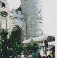Генуэзская крепость в самой Генуе